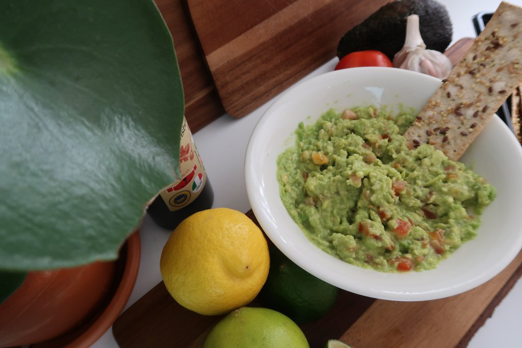 The Perfect Dip – Guacamole Recipe wiishuwrites.com/2018/08/08/the…