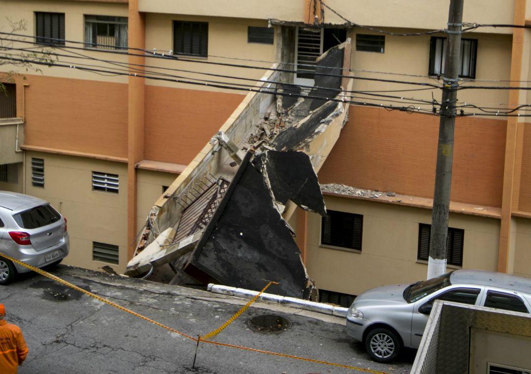 SP: Defesa Civil descarta risco de desabamento em prédio na zona sul. Edifício residencial na Vila Mariana foi esvaziado e interditado após o muro de arrimo cair; local será monitorado.  #FocoEmVocê