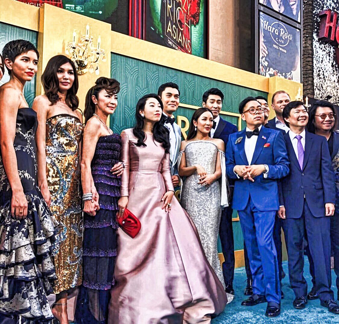 gonna need someone to frame this #CrazyRichAsians renaissance painting for me
