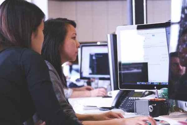 ebook versuche über den einfluß geneigter spannglieder auf das schubtragverhalten teilweise
