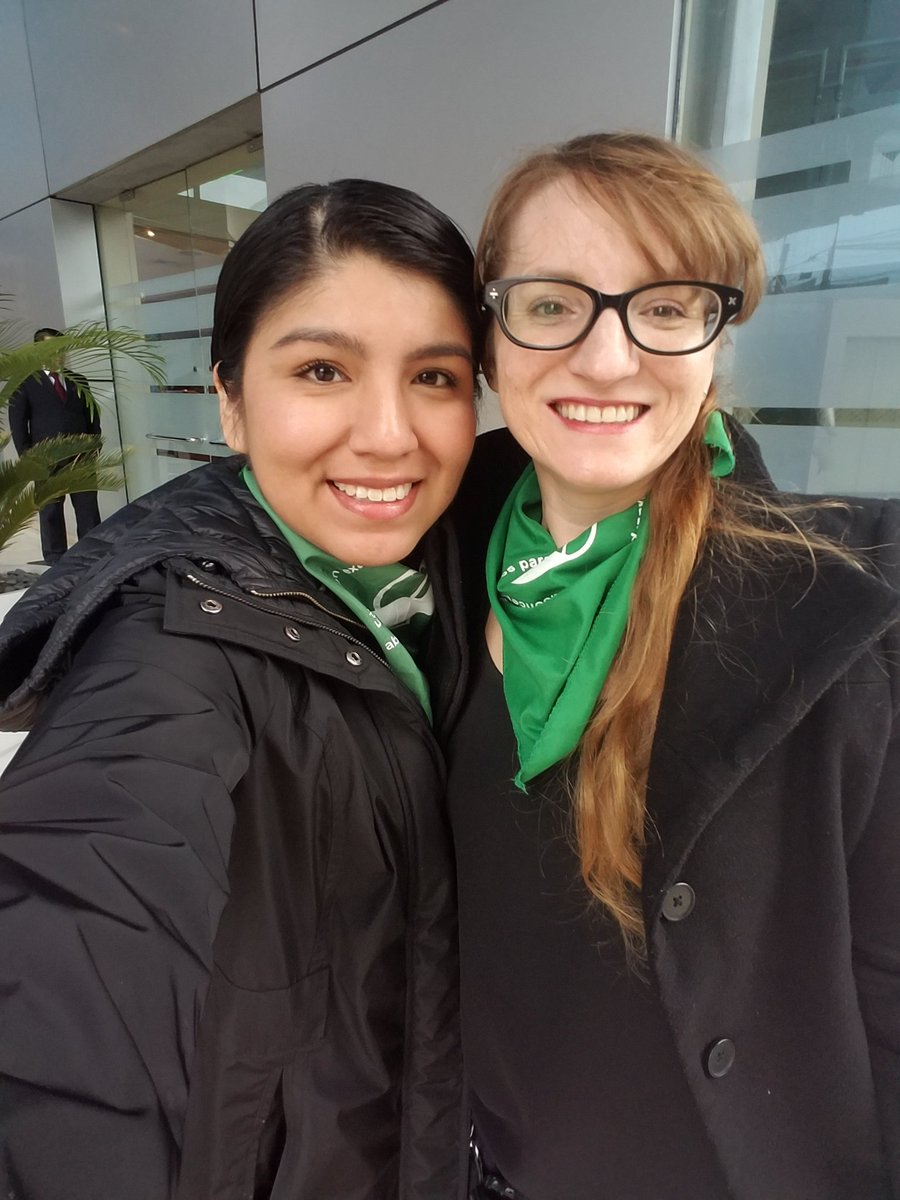 Standing in solidarity with Argentineans today! It&#39;s time for the Senate to do the right thing and vote to make abortion legal. #QueSeaLey #AbortoLegalYa #EsHoy #SenadoresQueSeaLey<br>http://pic.twitter.com/98v7JL0qtm