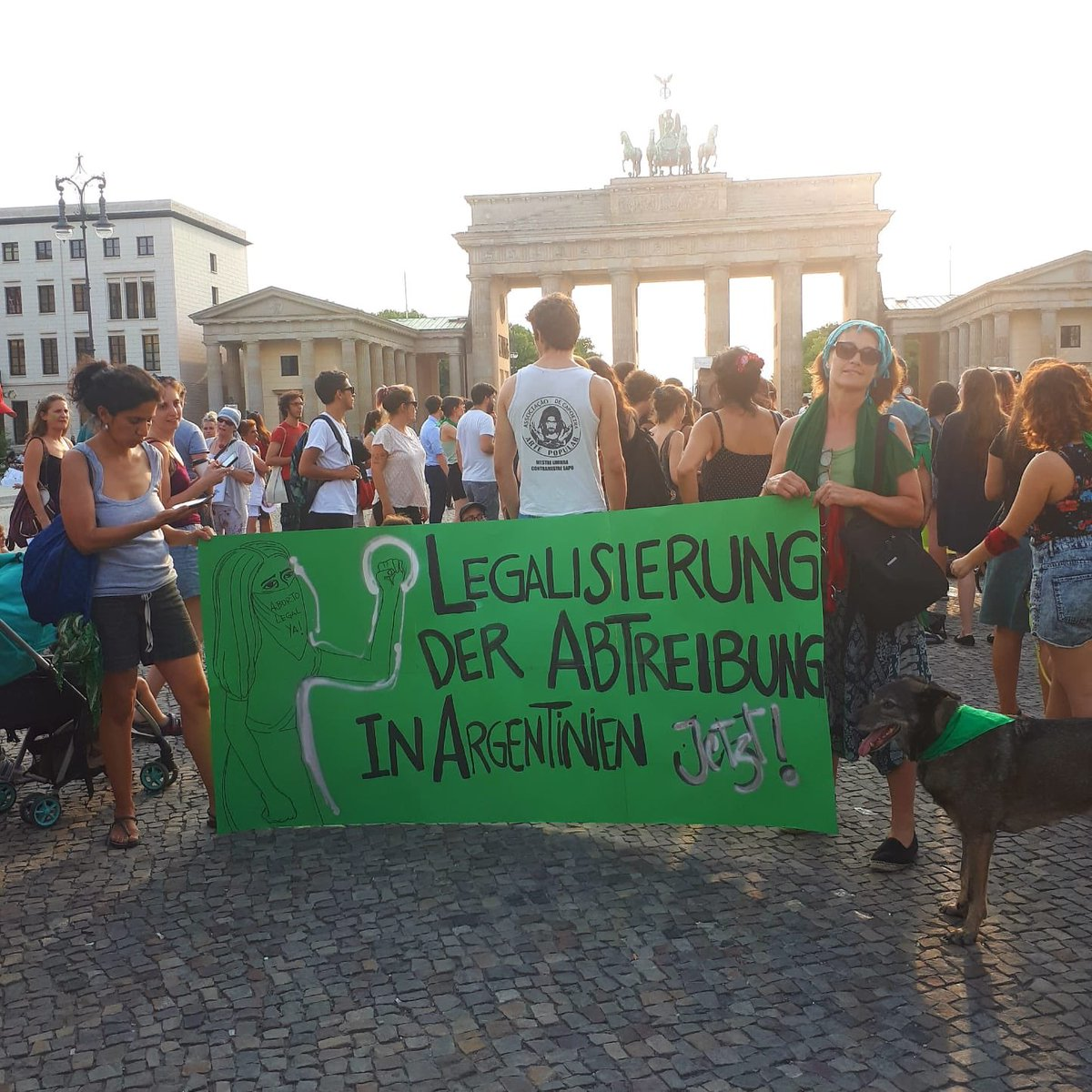 Berlin Bolivia New York Madrid #AbortoLegalYA  #EsHoy <br>http://pic.twitter.com/tDHnCr15yR