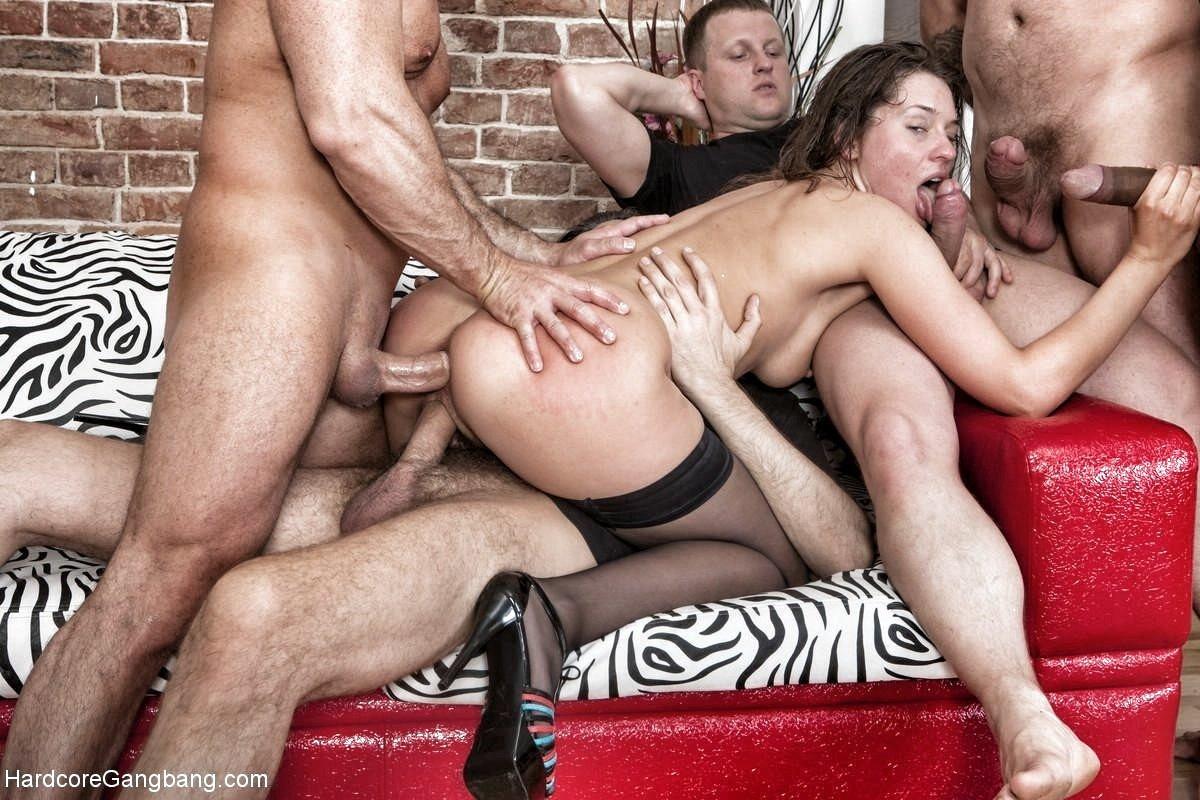 Порно фото ебут молодую девку порно
