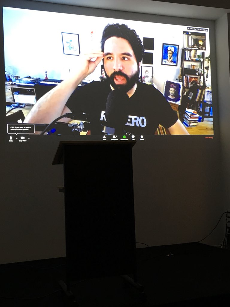 @pablostanley on the big screen demoing #InVisionStudio Berlin Prototyping Meetup <br>http://pic.twitter.com/Vo3teamro5 &ndash; à Native Instruments