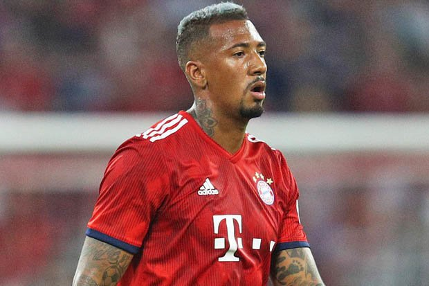 Double Blow for Man United. Jerome Boateng has chosen to join PSG and Yerry Mina is joining Everton. Mina will have his medical tomorrow. Foto