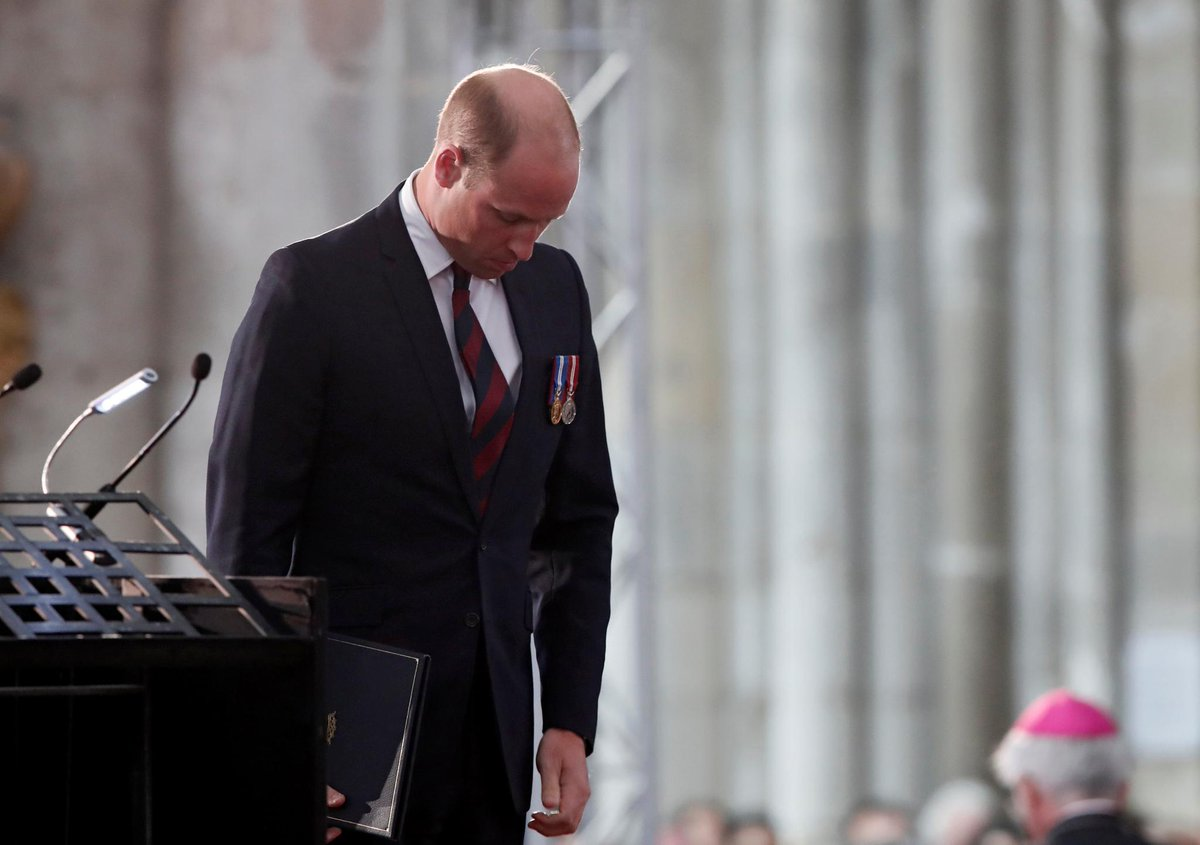 #PrinceWilliam travels to Amiens, France to pay tribute to the cots of WWI https://t.co/urFJY8wa4z