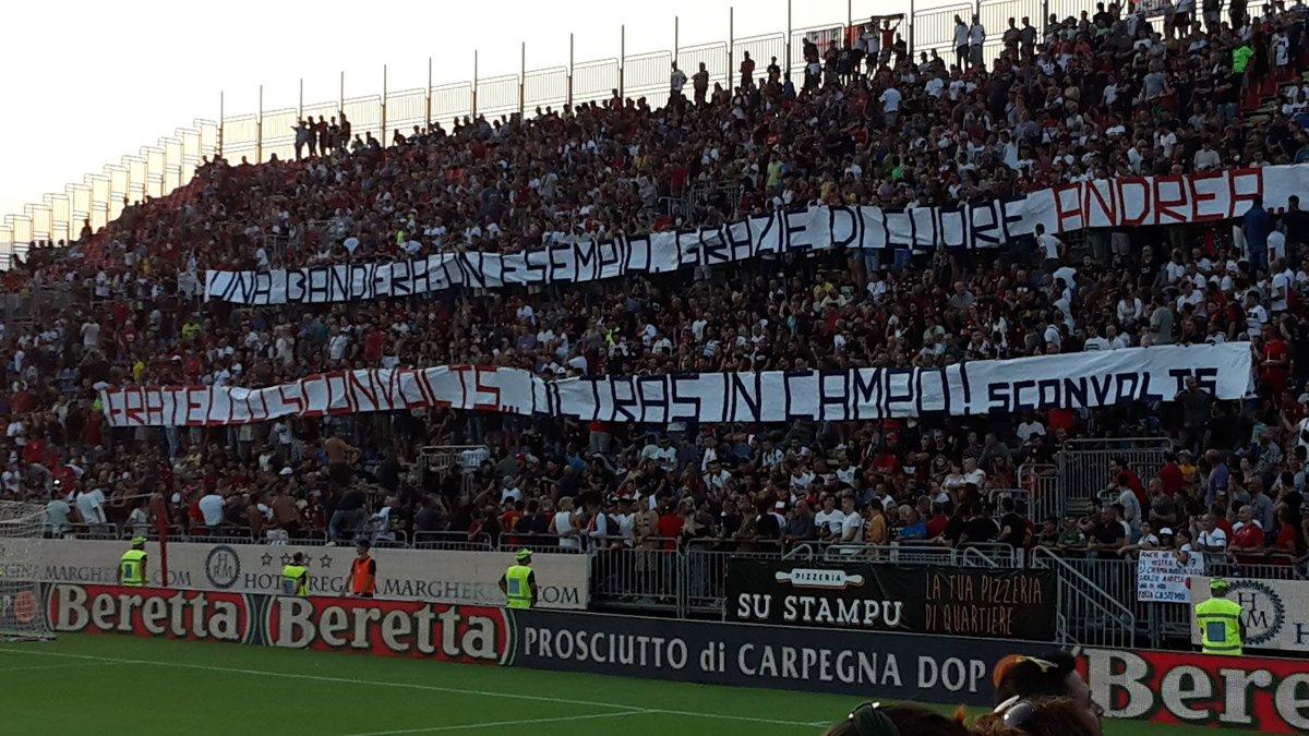 #CagliariAtleti il saluto della curva nord a @cossu7 #AC7 @CagliariCalcio @tommasogiulini @SardegnaArena #SardegnaArena #FORZACASTEDDU  - Ukustom