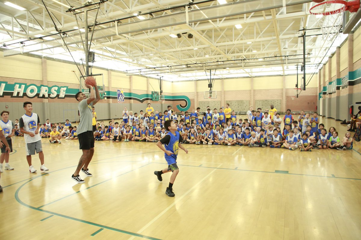 Campers were in for a treat as @JacobEvans_1 gave the entire group an inspirational speech & a competitive game of knockout!👏