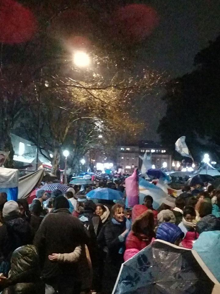 #ArgentinaDefiendeLaVida #SalvemosLas2Vidas #ArgentinaCeleste no al aborto le dice la gente  - Ukustom