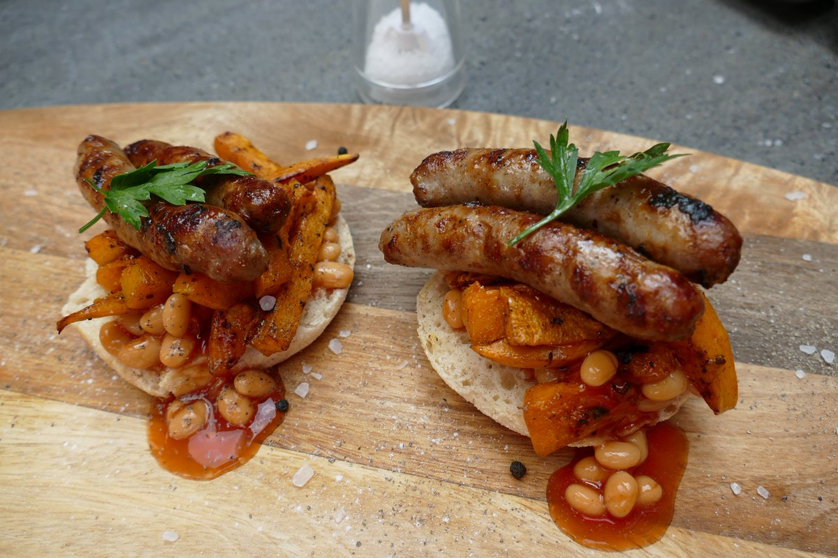 @kater_baked bread muffin topped with Butternut Squash, Baked Beans and Pork Chipolatas a great #breakfast treat https://t.co/yc1N305eLN