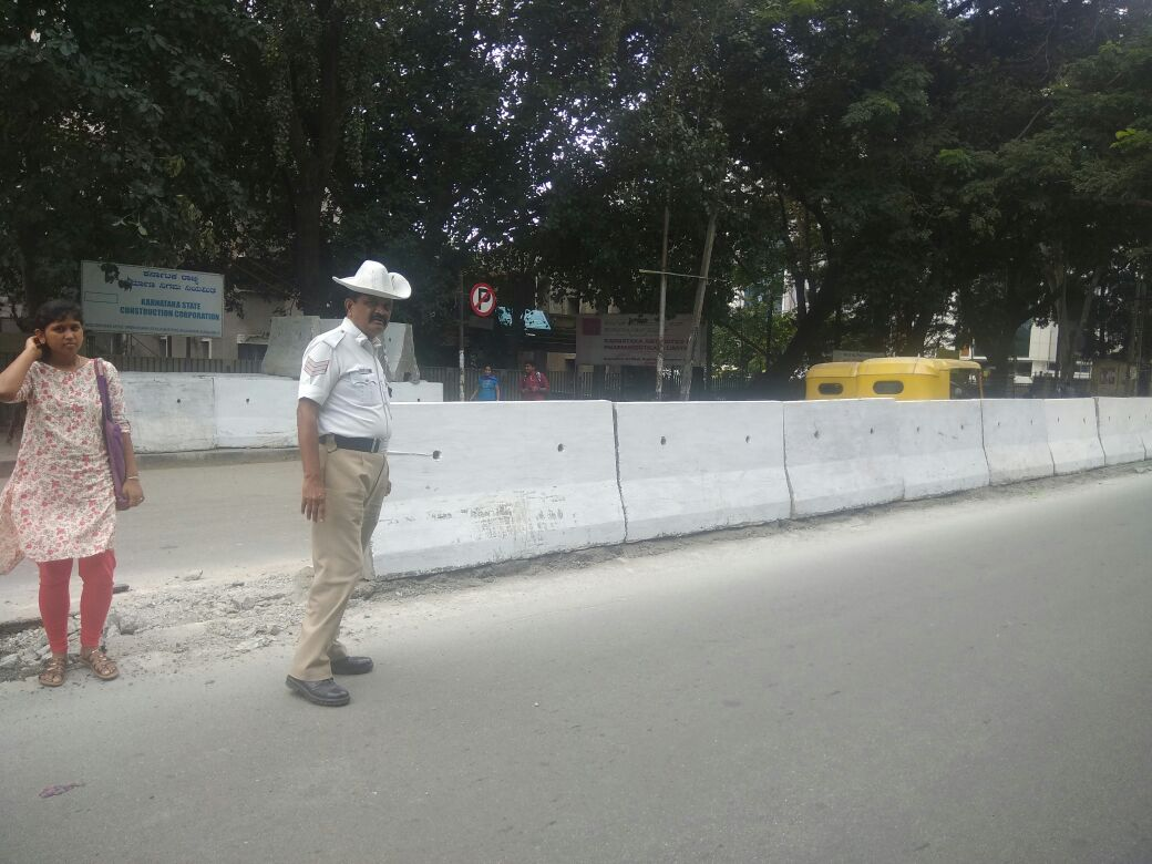 To avoid jaywalking high raised median at GSF circle to vivekanand college orian mall <br>http://pic.twitter.com/shWp1NBg4c