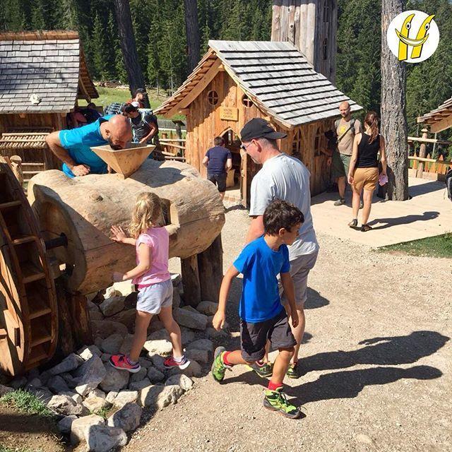 Abbiamo invaso il parco giochi!#scuolasci #sci #ski #happyski #mydolomiti #visitcortina #maestridisci #dolomites #dolomiti #dolomitisuperski #mycortina #cortina #cortinadampezzo #cortinadolomiti #visitveneto #igersitalia #igerscortina #mountain #m… https://ift.tt/2OT9CLD  - Ukustom