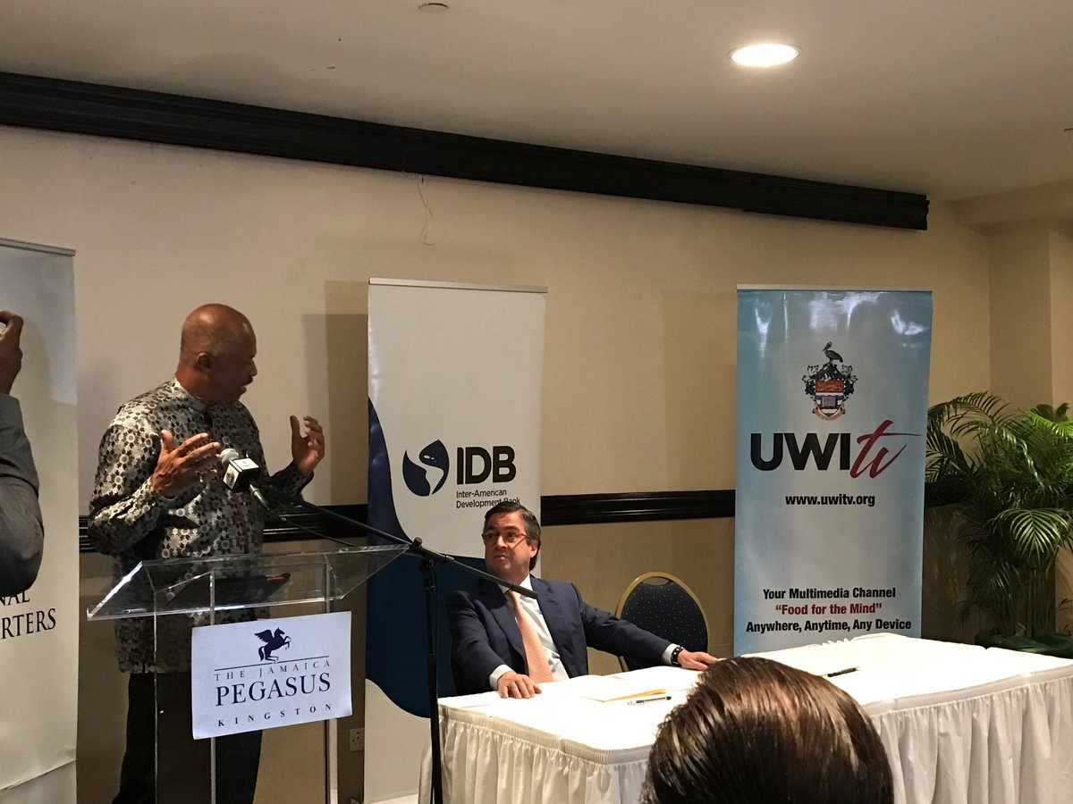 Today we formalized an exciting partnership between the IDB and the University of the West Indies @UWImona to share knowledge and promote innovation and job creation in the Caribbean  https:// blogs.iadb.org/caribbean-dev- trends/2018/07/25/8855/ &nbsp; … <br>http://pic.twitter.com/Perl5Exi8G