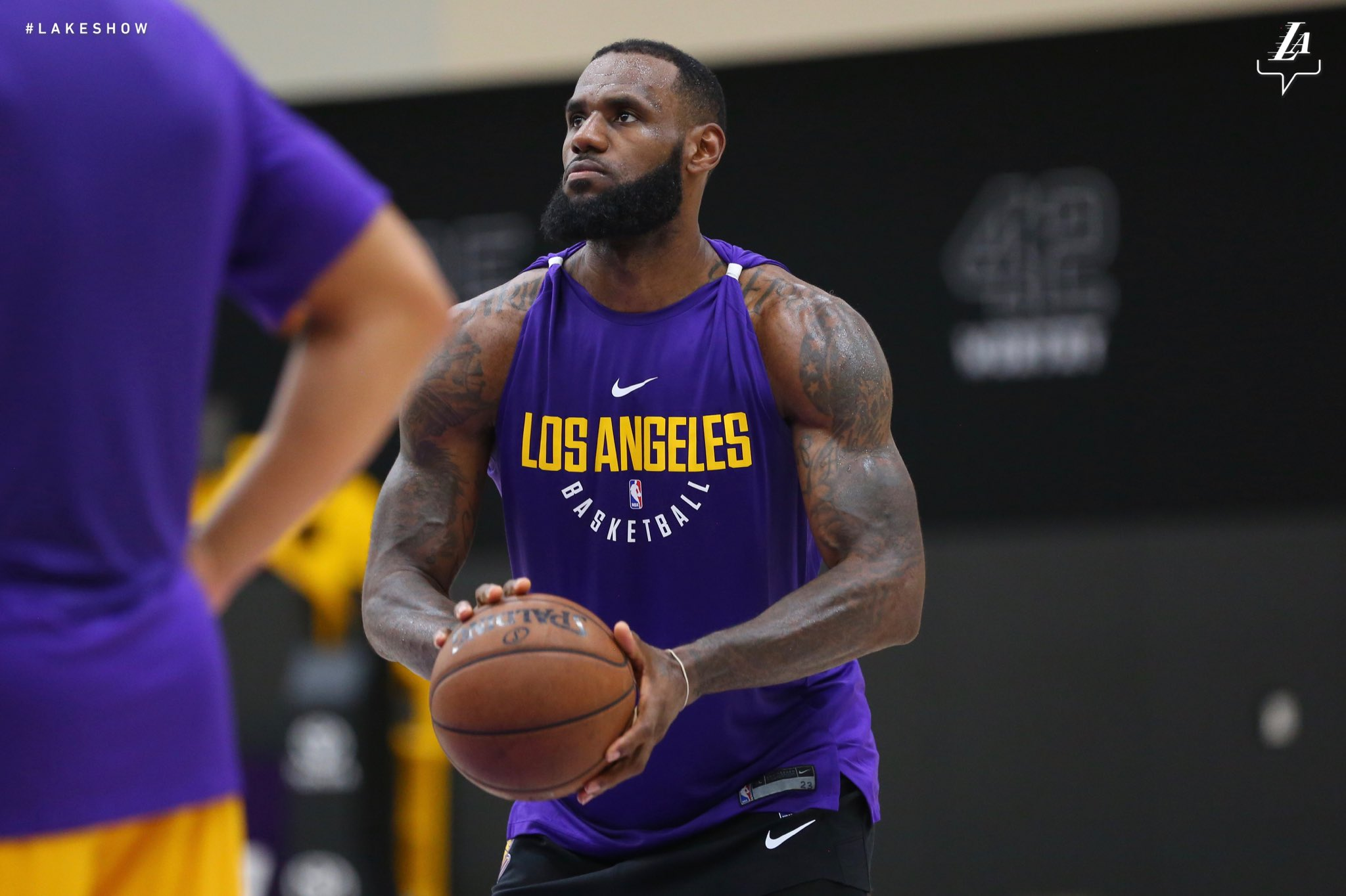 The �� in his new lab. #LakeShow https://t.co/im4bD7p7Rr