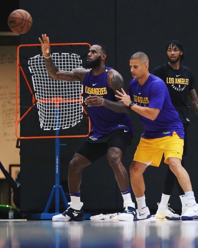 the best attitude 88381 63c1e Nike Lebron Soldier Lakers : KingJames wearing Nike LeBron ...