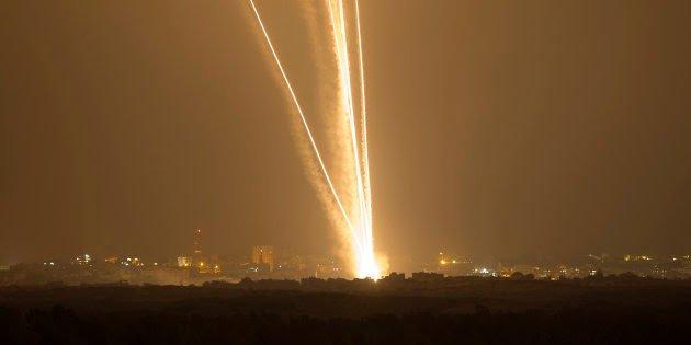 180 tra razzi e colpi di mortaio sparati da #Gaza verso #Israele Le sirene hanno suonato tutta la notte scorsaOra più che mai sono con #israel #IsraelUnderAttack #IsraelUnderFire #IsraelForEver#IsraelLoveforEver  - Ukustom