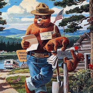 RT @NPSOklahoma: Happy 74th @smokey_bear ! #npsoklahoma #FindYourPark #EncuentraTuParque #smokeybearhug https://t.co/hpClhEVi2A