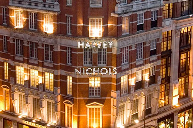 ENDS TOMORROW - Want some new #clothes ? well you can with this #Competition to #win a £100 @HarveyNichols #giftcard  https:// wp.me/p9yNjR-53U  &nbsp;   - RT &amp; F to enter - get extra entries on website ,see above link - good luck #CompetitionTime  #fashion #designer <br>http://pic.twitter.com/bg1iNcPeDL