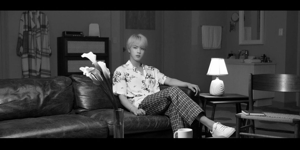 #BTS release #Epiphany comeback trailer for the new album #LOVE_YOURSELF_結_Answer https://t.co/ysKh9zfDrS