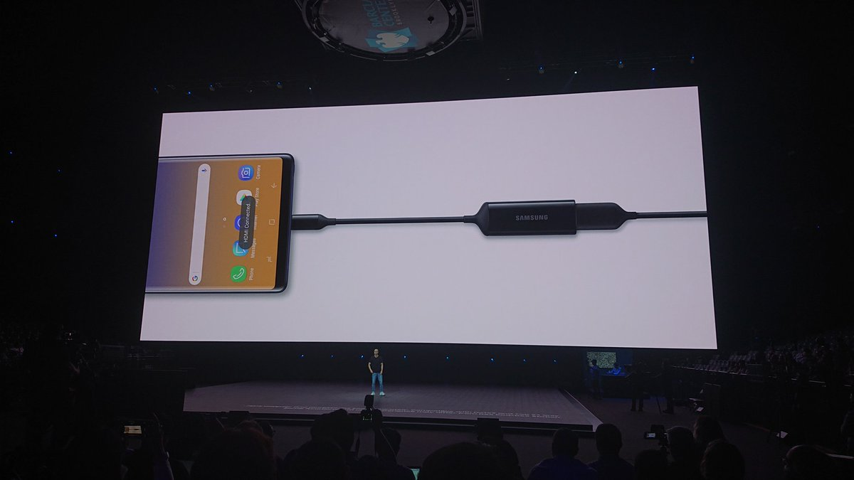 No need to buy a DeX Pad anymore -- just plug a Type-C to HDMI cable to an external display and the Note 9 to launch the DeX Android desktop interface.   @DigitalTrends #Unpacked2018 <br>http://pic.twitter.com/mYe4l5boAr