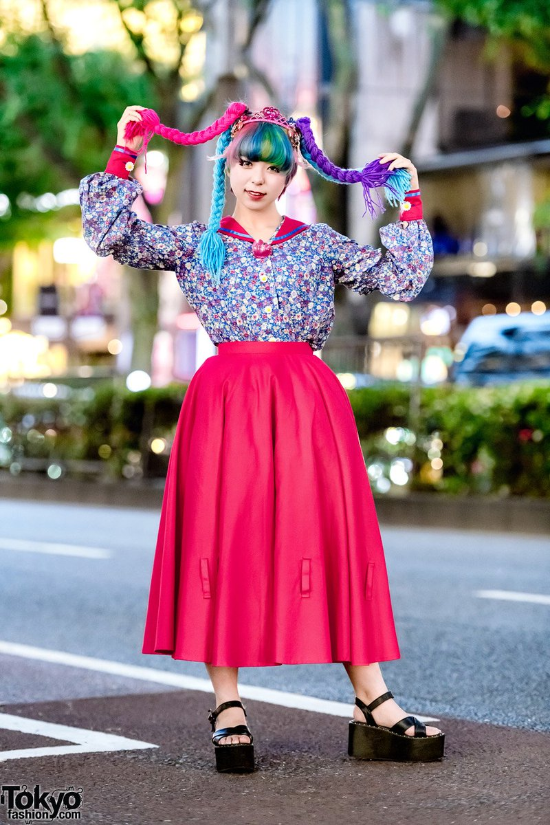 b2ef078aea52 ... tiara #原宿 http://tokyofashion.com/harajuku -girl-doll-inspired-street-style-w-colorful-yarn-hair-sailor-blouse-tiara/  …pic.twitter.com/39Fdm9gRxi