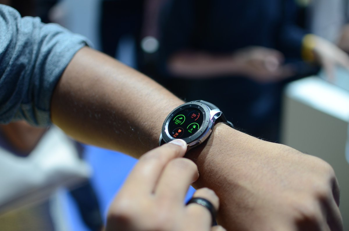 Playing around with the new #GalaxyWatch from Samsung. What do you guys think?  @DigitalTrends #Unpacked2018 <br>http://pic.twitter.com/yrShFGroO1