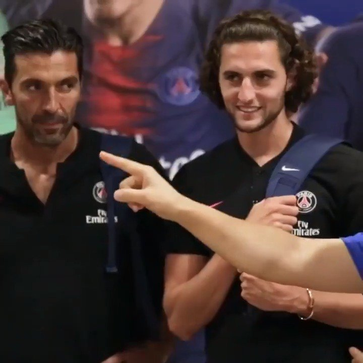 Team @gianluigibuffon vs. Team Adrien Rabiot for a football skills challenge. Its in the game. #EASPORTS #FIFAONLINE4 #FO4 #ShootForLove #PSGAsiaTour #PSG 🔴🔵