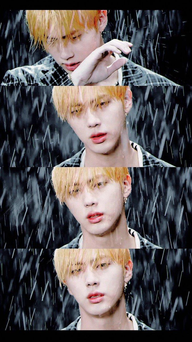 """#Epiphany#LOVE_YOURSELF #KimSeokjin #EPIPHANY #LOVE_YOURSELF__Answer @BTS_twt """"Kim Seokjin non sa ballare, non sa cantare, è brutto.""""*coff coff* come prego? In Epiphany il nostro bellissimo Kim Seokjin è incredibilmente perfetto. Chiudete gli occhi e ascoltatela  - Ukustom"""