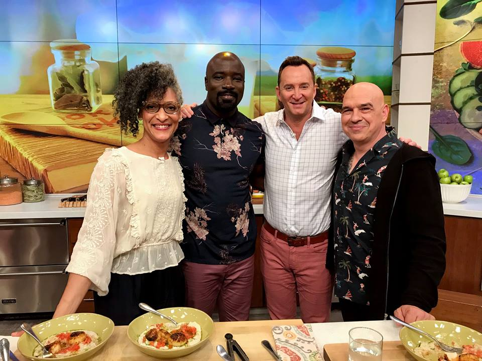 .@RealMikeColter is in the kitchen today to chat about Marvels @LukeCage. Plus, Michael Symon has a #MasterClass you dont want to miss. Watch a classic episode of #TheChew at 1e 12c p!