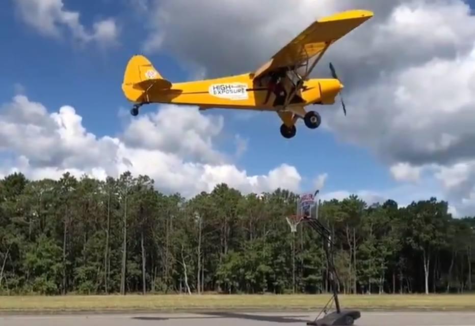 >@esportefera Impossível? Globetrotter acerta arremesso a bordo de avião a 110 km/h https://t.co/2WMTgOCkPr