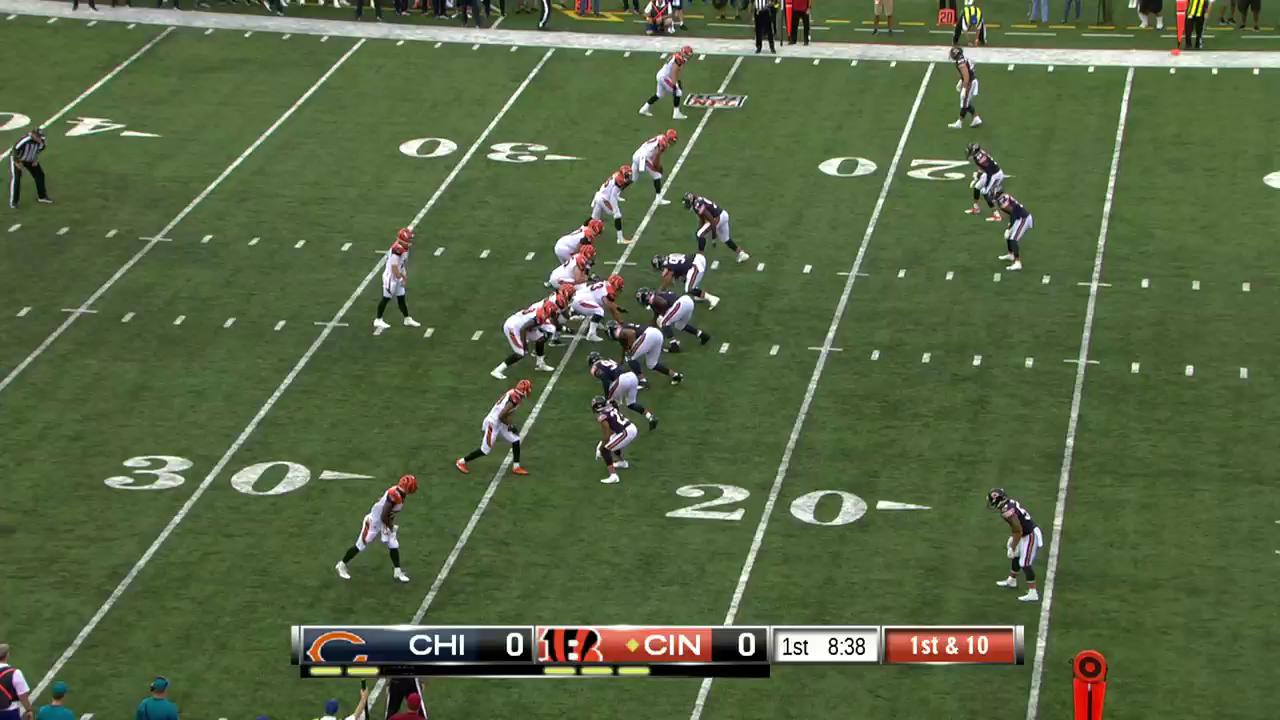 .@andydalton14 ➡ @Joe_MainMixon �� ➡ TOUCHDOWN. ��  #CHIvsCIN #SeizeTheDEY https://t.co/4fHeK4DdT1