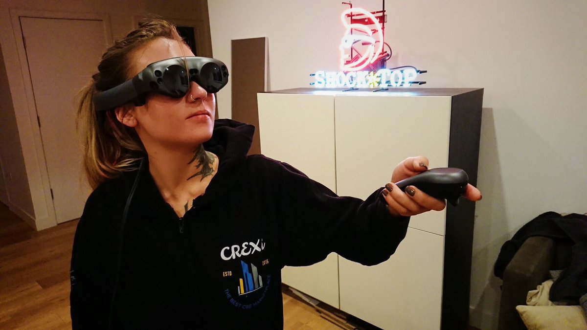 Picked up my @magicleap devices &amp; finally got to try them!! Wow!! Really great stuff. Still limited field of view &amp; some tracking issues, but I'm still impressed  Shoutout to @CREXinc for the hoodie!  #MagicLeapOne #AR<br>http://pic.twitter.com/cS81Rs1fRC