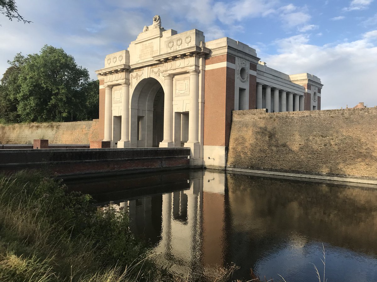Paul reed on twitter the majesty of the menin gate at ypres the 1108 pm 9 aug 2018 from menenpoort menin gate freerunsca Image collections