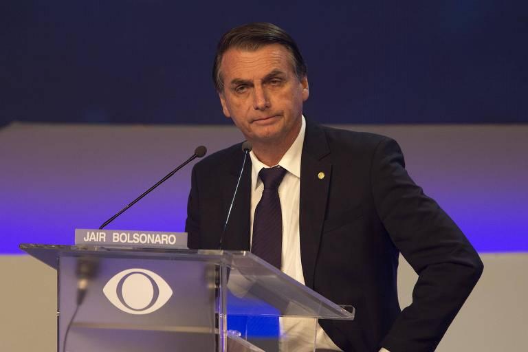 Bolsonaro pediu direito de resposta após Ciro Gomes criticar um projeto do deputado, que propunha a liberação da chamada 'pilula do câncer' sem aprovação da Anvisa (Agência Nacional de Vigilância Sanitária); siga cobertura minuto a minuto https://t.co/nwKJ99OUsX #DebateBand