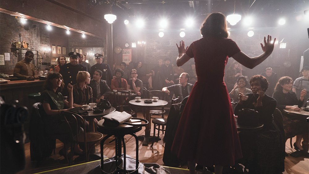 """The """"mad divorcee"""" of the Upper West Side is back in the the first trailer for the second season of #MarvelousMrsMaisel  https:// bit.ly/2KCP4DS  &nbsp;  <br>http://pic.twitter.com/uFyRnkUHKJ"""