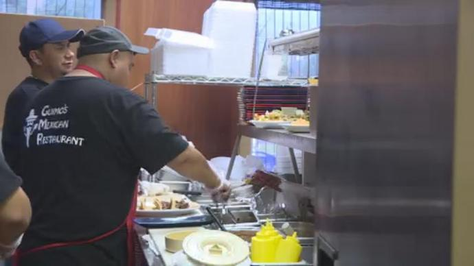 A Sun Prairie restaurant is back in business after the July 10th explosion.  http://www. nbc15.com/content/news/G uimos-in-Sun-Prairie-re-opens-a-month-after-the-explosion-490518891.html &nbsp; …  #sunprairiestrong #wakeuptomore<br>http://pic.twitter.com/jU6QZyzUNt