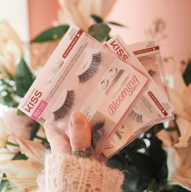 750c1aa2a0e bloominglashes hashtag on Twitter