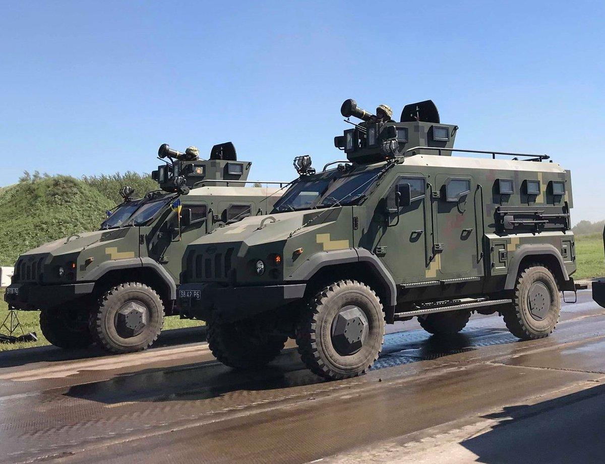 امريكا توافق على تزويد اوكرانيا بصواريخ مضادة للدبابات.  DkO_tOOX4AEMSbU