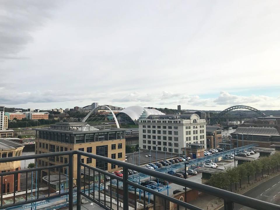 Amazing views last night at @Dream_Apartms networking event! #Quayside #Newcastle #servicedapartments <br>http://pic.twitter.com/p8AzWZoTl4