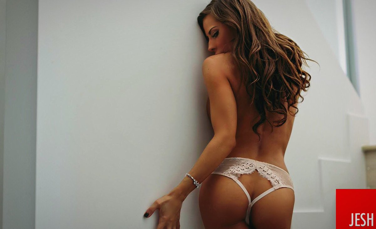 Madison Ivy  - A little sne twitter @Madison420Ivy