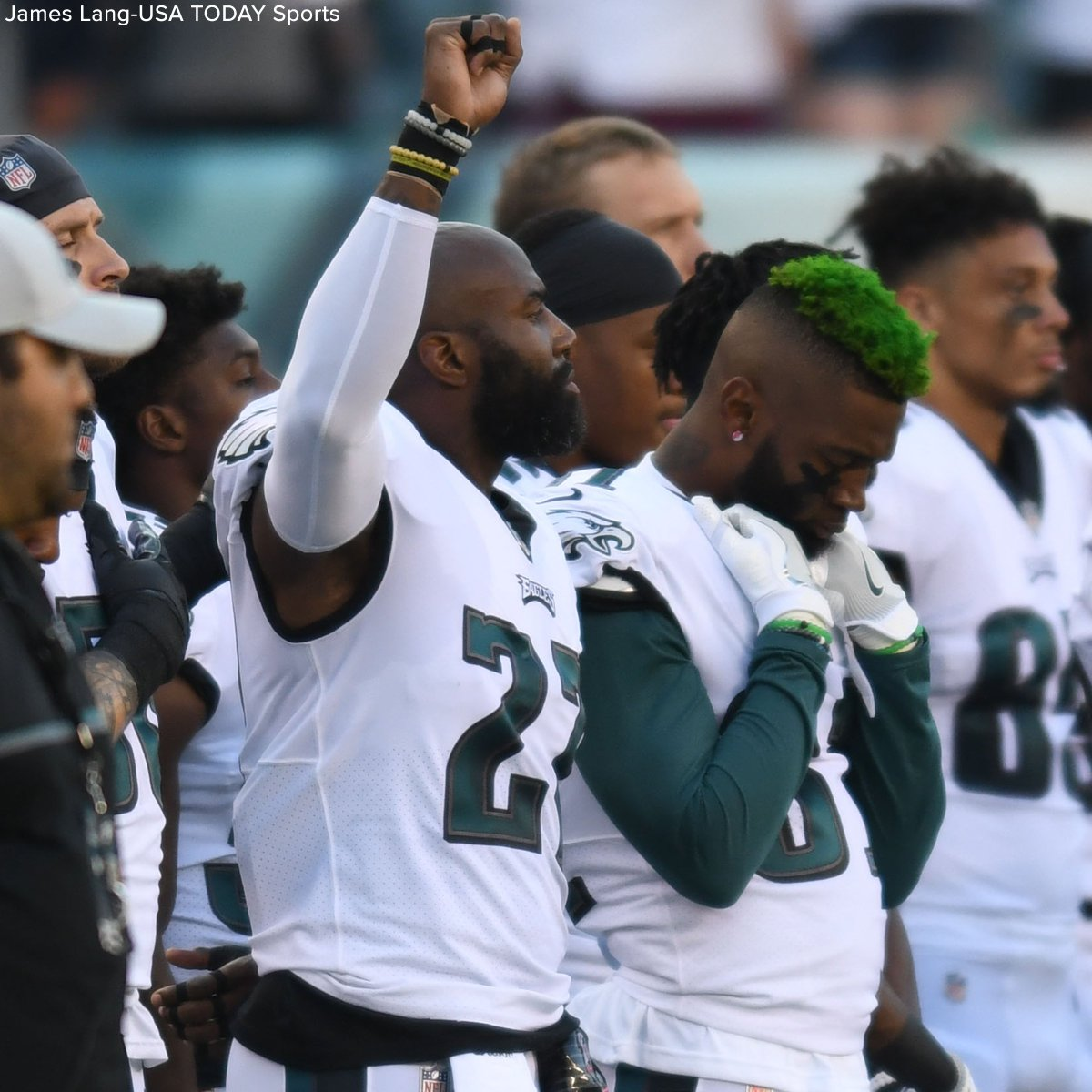 Several players protested during the national anthem at NFL preseason games on Thursday night. https://t.co/v9fxCmwdcr