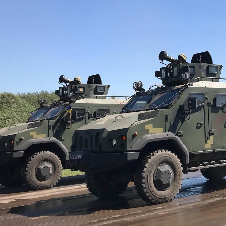 امريكا توافق على تزويد اوكرانيا بصواريخ مضادة للدبابات.  DkOy22sXoAEEfYh
