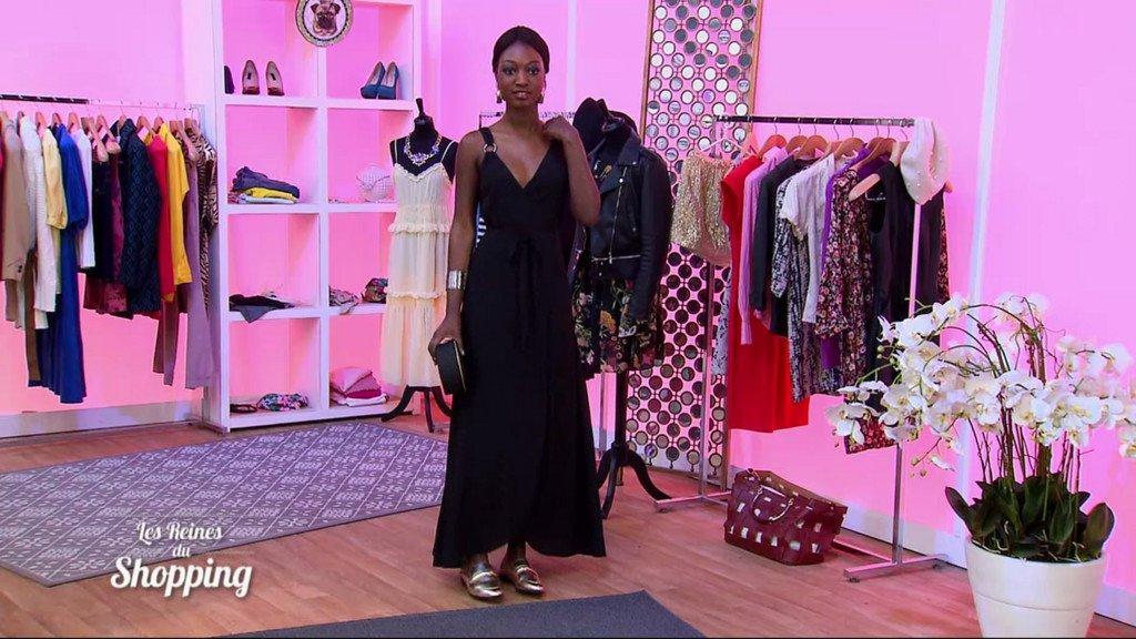 Découvrez la tenue idéale de @cristinacordula pour être «élégante avec une robe longue»! #LRDShttp://bit.ly/2B7vwIq  - FestivalFocus