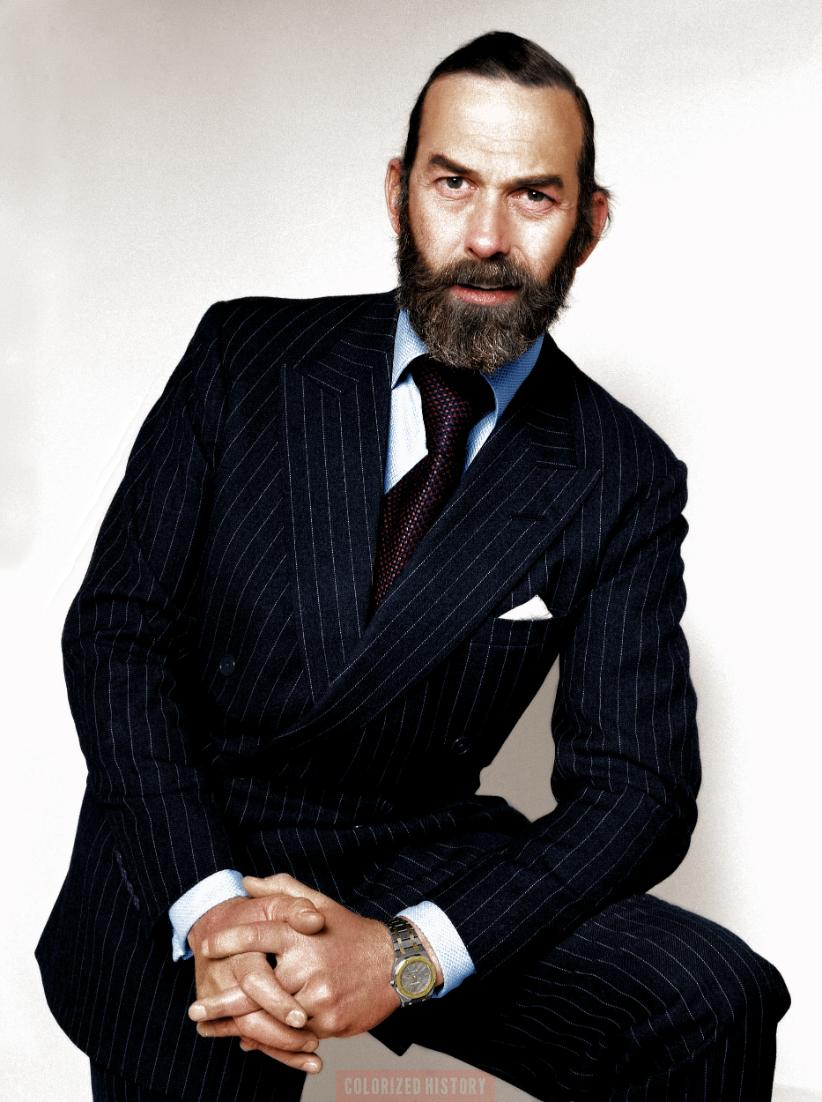 #FactFriday: many of you will know that Prince Michael of Kent is an active Freemason (he is, in fact, Grand Master of @GLofMMM) but did you know that he's also a keen motorist &amp; sportsman? He even represented GB as a bobsleigh driver &amp; was a reserve for the 1972 Winter Olympics<br>http://pic.twitter.com/CpKbt2eAS5