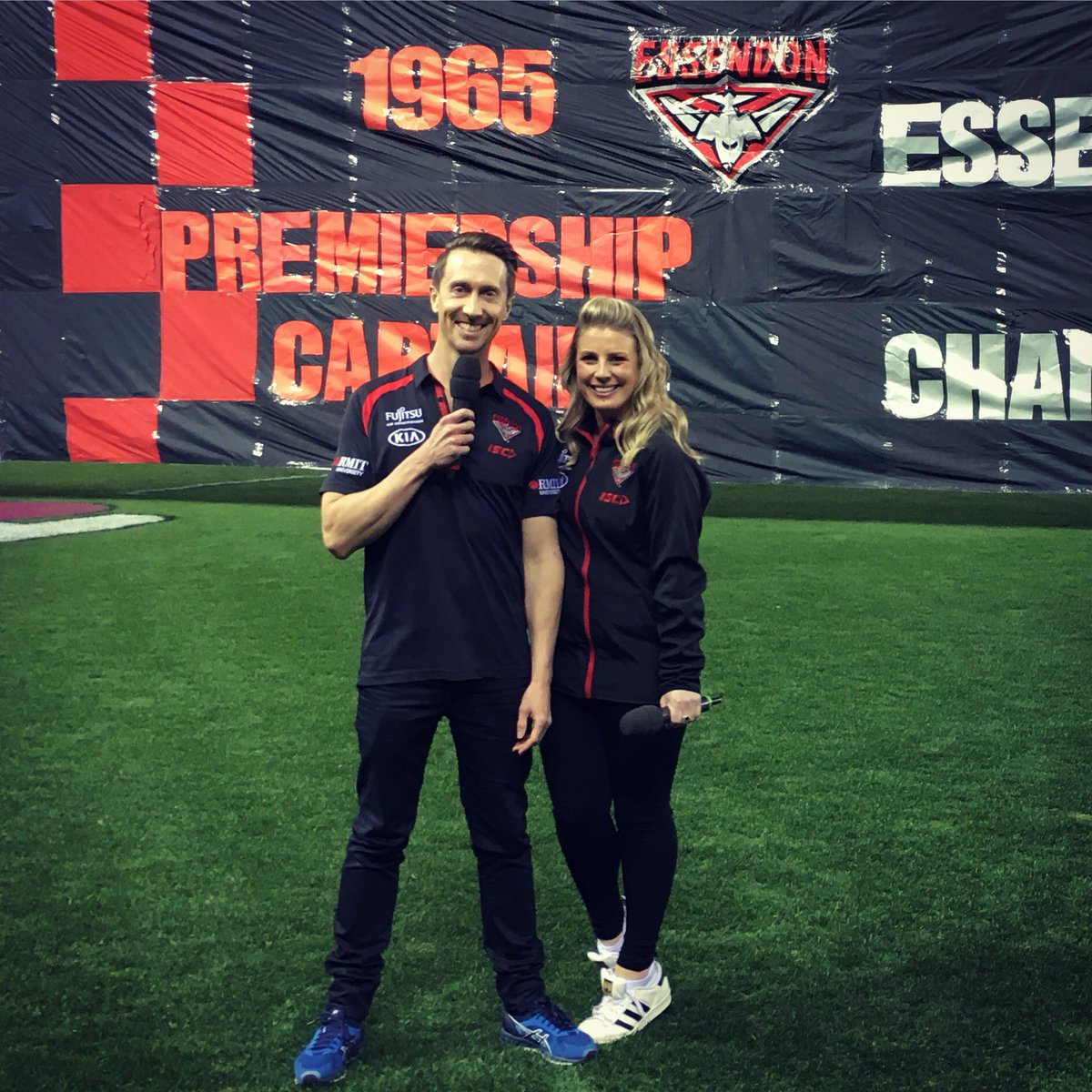 Last Home Game of the 2018 season - love working with this guy @colerintoul #EFC #Bombers #AFLDonsSaints @EssendonFC<br>http://pic.twitter.com/1iesqRlm62