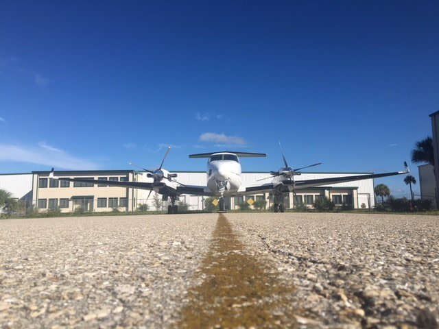 Let our hangar be your castle #kingair #beechcraftkingair #beechcraft #naplesjetcenter #naplesFL #SWFL #southwestFL #florida #hangar #privateaviation #jetlife #customerservice #privatejets #airplanes #aircraft #aircraftforsale #blueskies<br>http://pic.twitter.com/ysIurzgZsI
