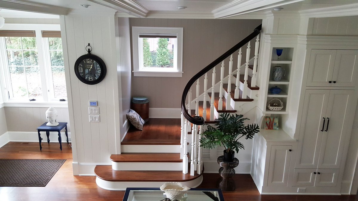 At Oak Pointe We Believe A Staircase Should Be Inviting And A Stunning  Focal Point. And We Can Help You Achieve That!