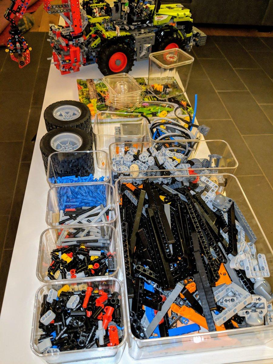 #Lego 8110 Unimog zerlegt und bereit für die Spülmaschine. #wurdemalzeit pic.twitter.com/j6c7gKvjzv