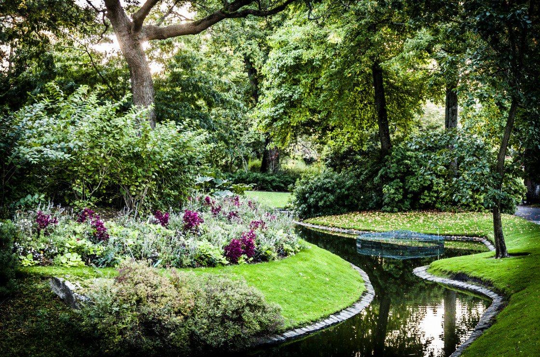 """#Destinazioni Tra le cose da non perdere a #Nantes """"Il giardino dei 5 sensi"""". Immergiti nella natura godendo della sua quiete.#VoladaOlbia a #Nantes con #Volotea   Prenota: http://bit.ly/Bookyourflight  - Ukustom"""