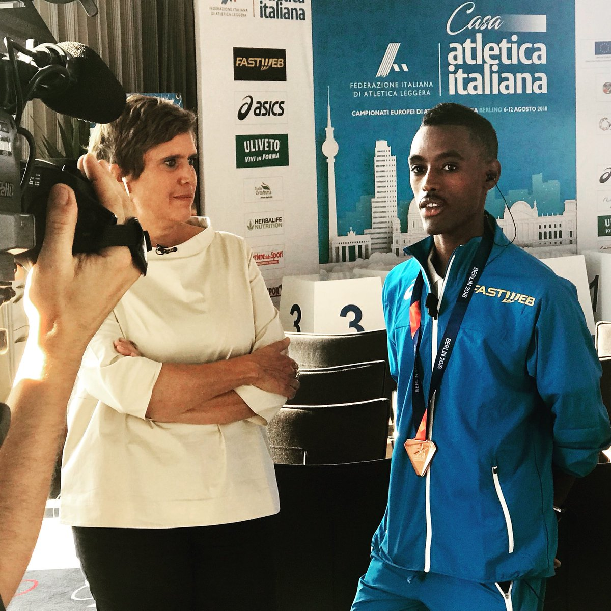 #atletica il bronzo europeo dei 3000 metri Yohanes #Chiappinelli in DIRETTA su @RaiUno a La vita in diretta in diretta da @casatletica #Berlin2018  - Ukustom